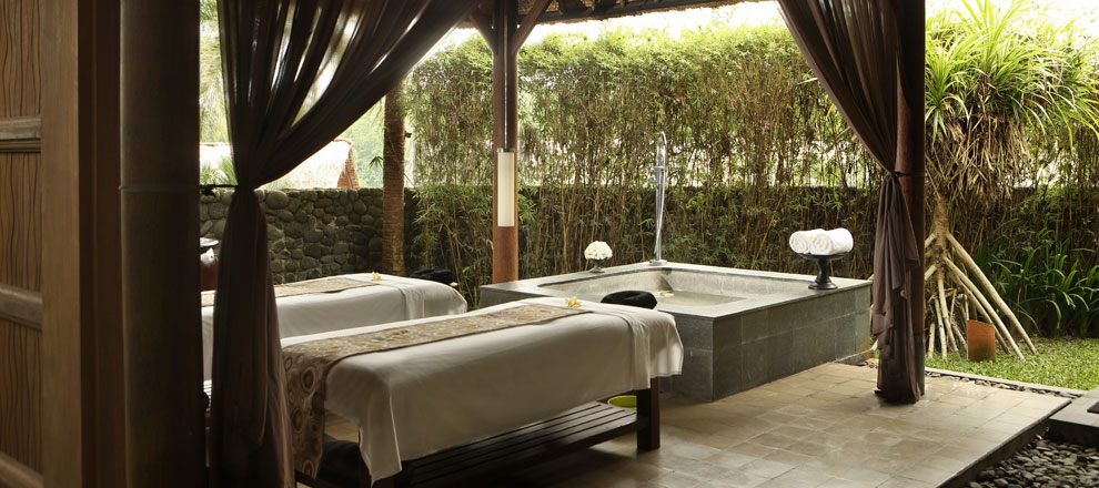 Spa tables and bath Alila Ubud EAT.PRAY.MOVE Yoga Retreats | Bali, Indonesia