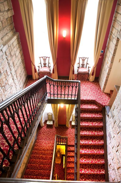 Grand Staircase Dalhousie Castle | EAT.PRAY.MOVE Yoga | Edinburgh, Scotland