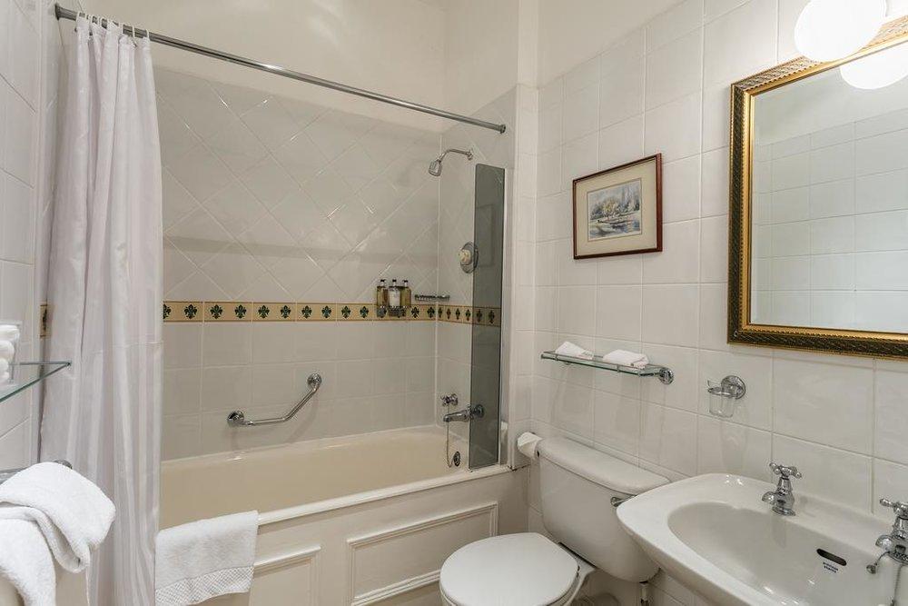 Modern bathrooms Dalhousie Castle | EAT.PRAY.MOVE Yoga | Edinburgh, Scotland