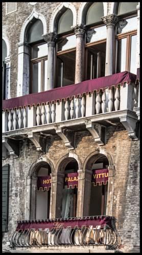 Hotel balconies Palazzo Vitturi EAT.PRAY.MOVE Yoga   Venice, Italy