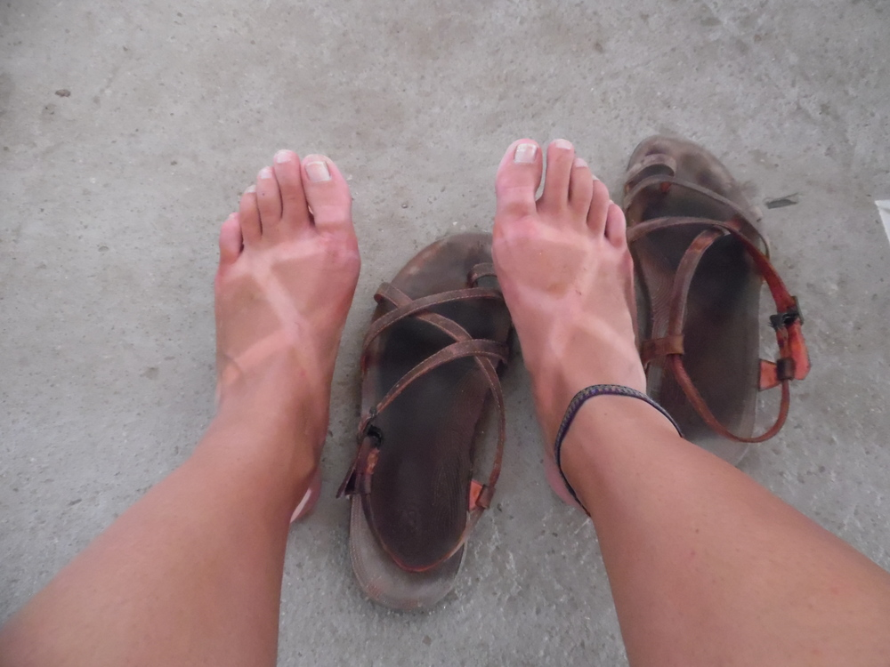 Check out my cute Chaco feet tan...