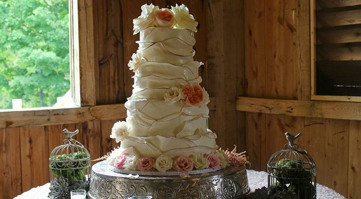 Weddings The perfect centerpiece for your perfect day   click here to book your date