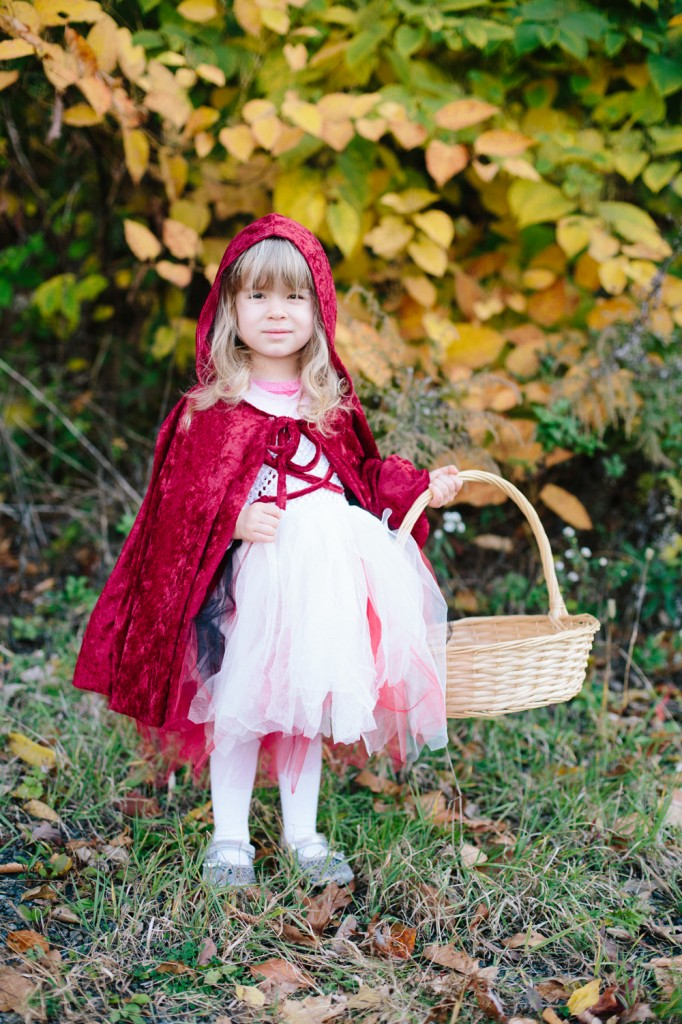 Daniella as Little Red Riding Hood at Zoo Boo | Pittsburgh Zoo, Halloween 2012 | Dmitriy Babichenko, Pittsburgh Photographer