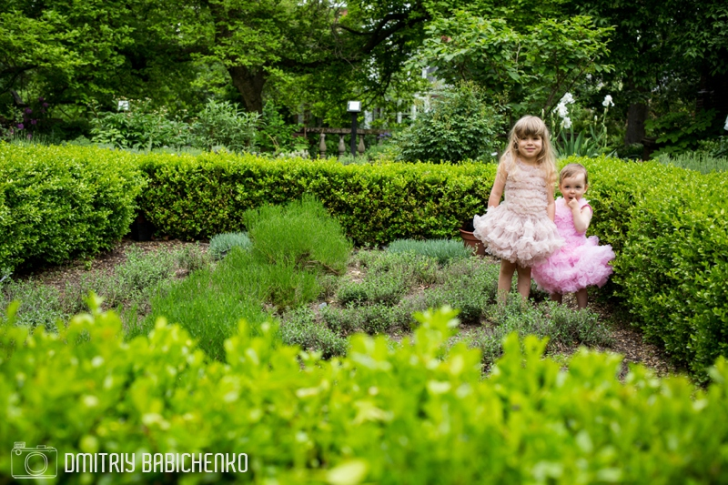 Daniella and Sophia at Mellon Park | Dmitriy Babichenko Photography