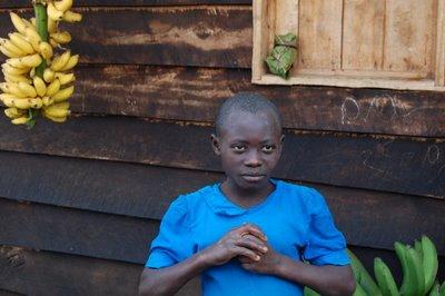 girl with bananas rwanda