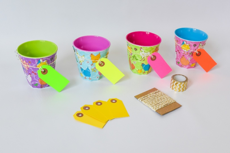 melamine-cups-as-party-favors.jpg