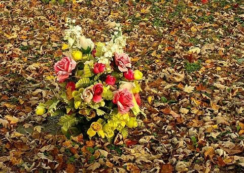 Flowers Grave Thacker2.jpg