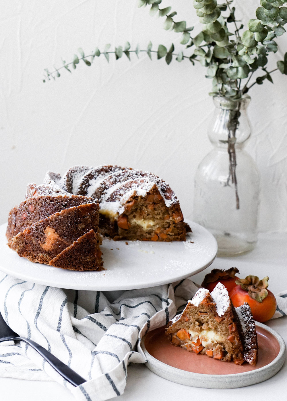 Persimmon and Cream Cheese Bundt Cake // Eat Cho Food