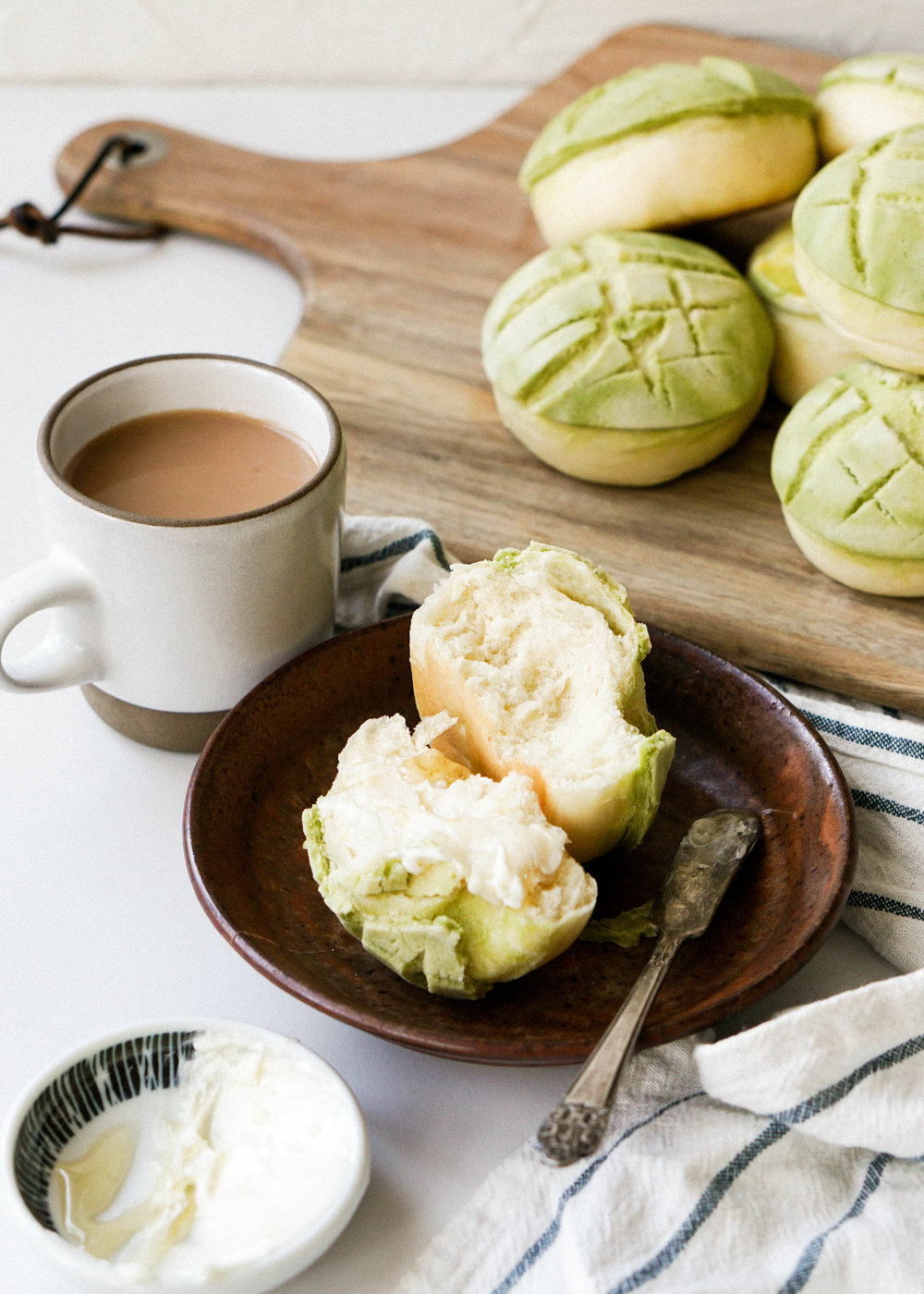 Matcha Pineapple Buns // https://eatchofood.com/blog/2019/1/1/matcha-pineapple-bun