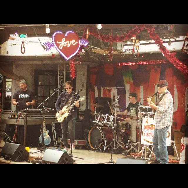 What a WILD day and night over at #moontower for the #vallejo #valentine #jam benefitting @myhaam! Got to check out some other amazing local bands. Big thanks to all who came out to show the love!! #austintx #austinmusic #loveisintheair #party #rockshow #gibson