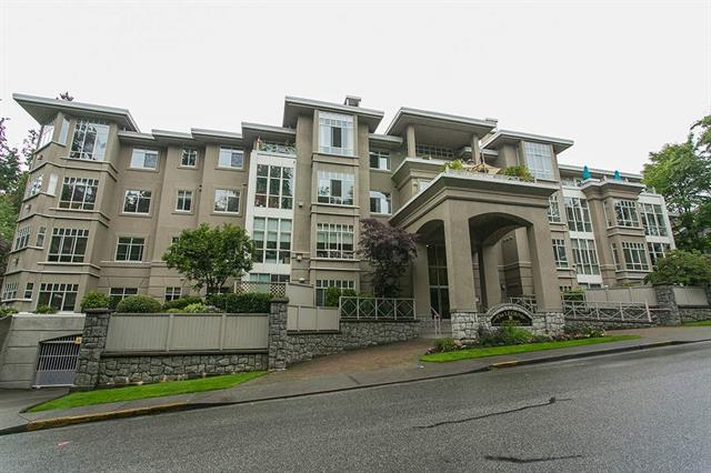 2 bed - 2 bath - 890 Square Feet - Roche Point, North Vancouver - $379,000