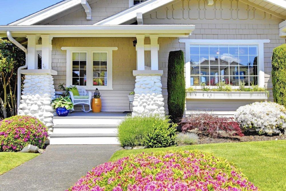 sc-home-0427-garden-curb-appeal-20150424-1.jpg
