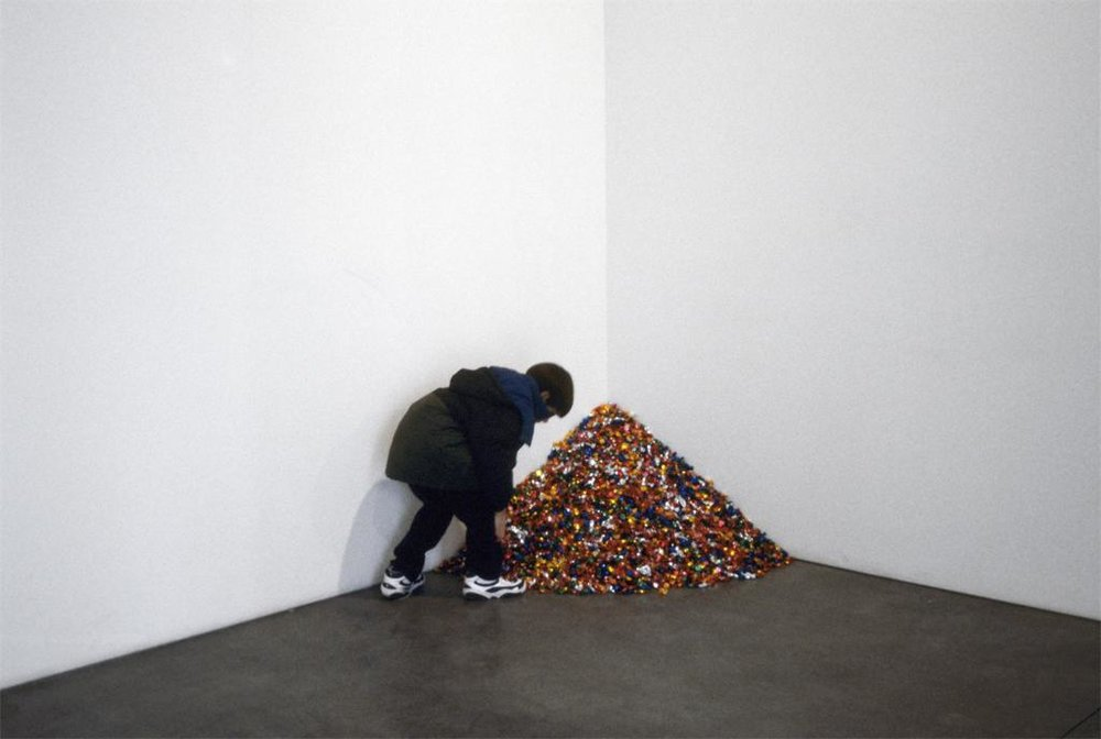 Felix Gonzalez Torres - Untitled (Portrait of Ross)