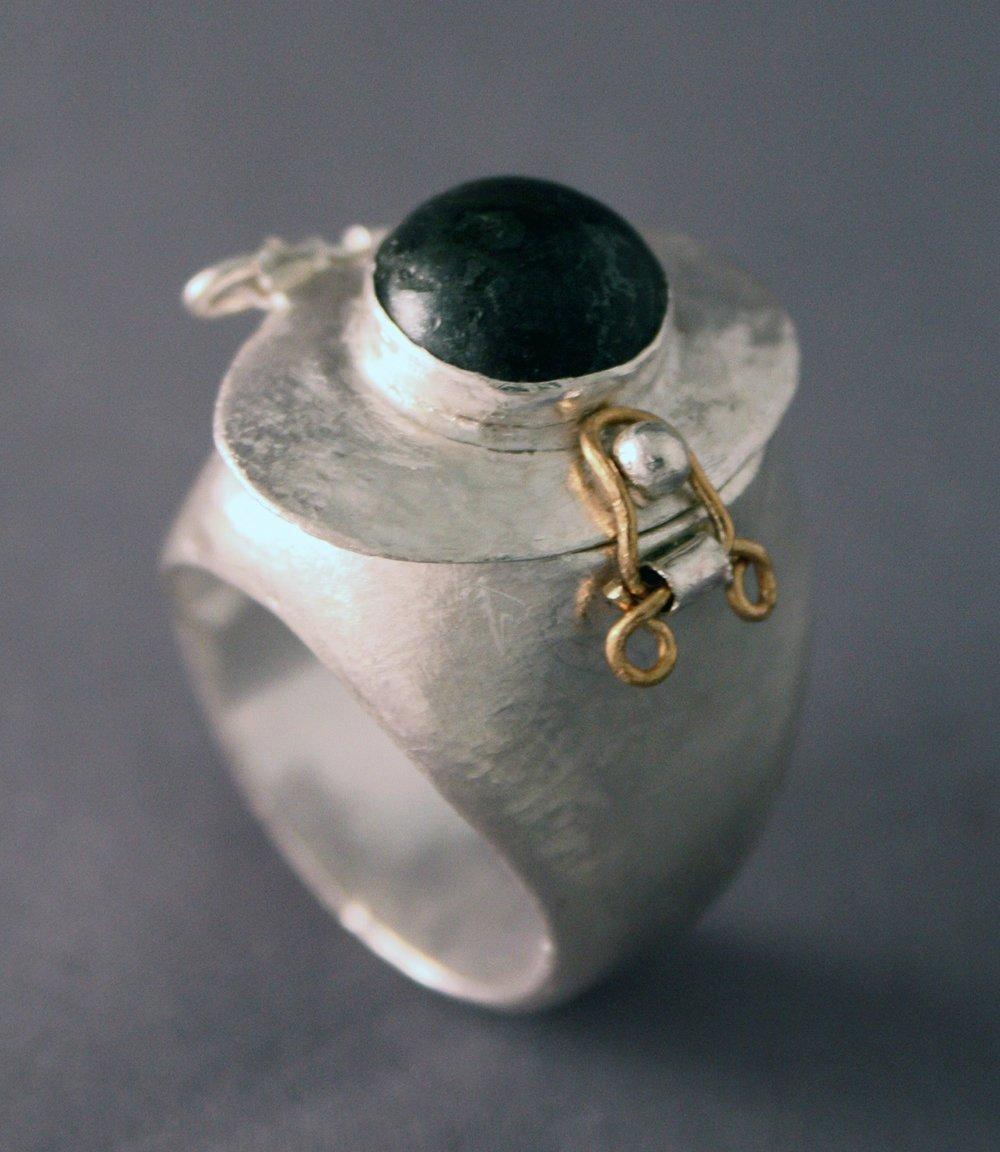 #13 Ring.1.jpg