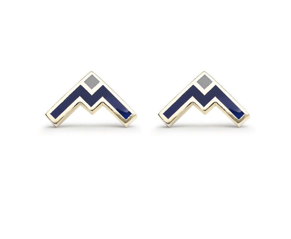 These geometric mountain-inspired studs by Rowa Jewelry make me want to visit Vancouver & see the mountains in person.