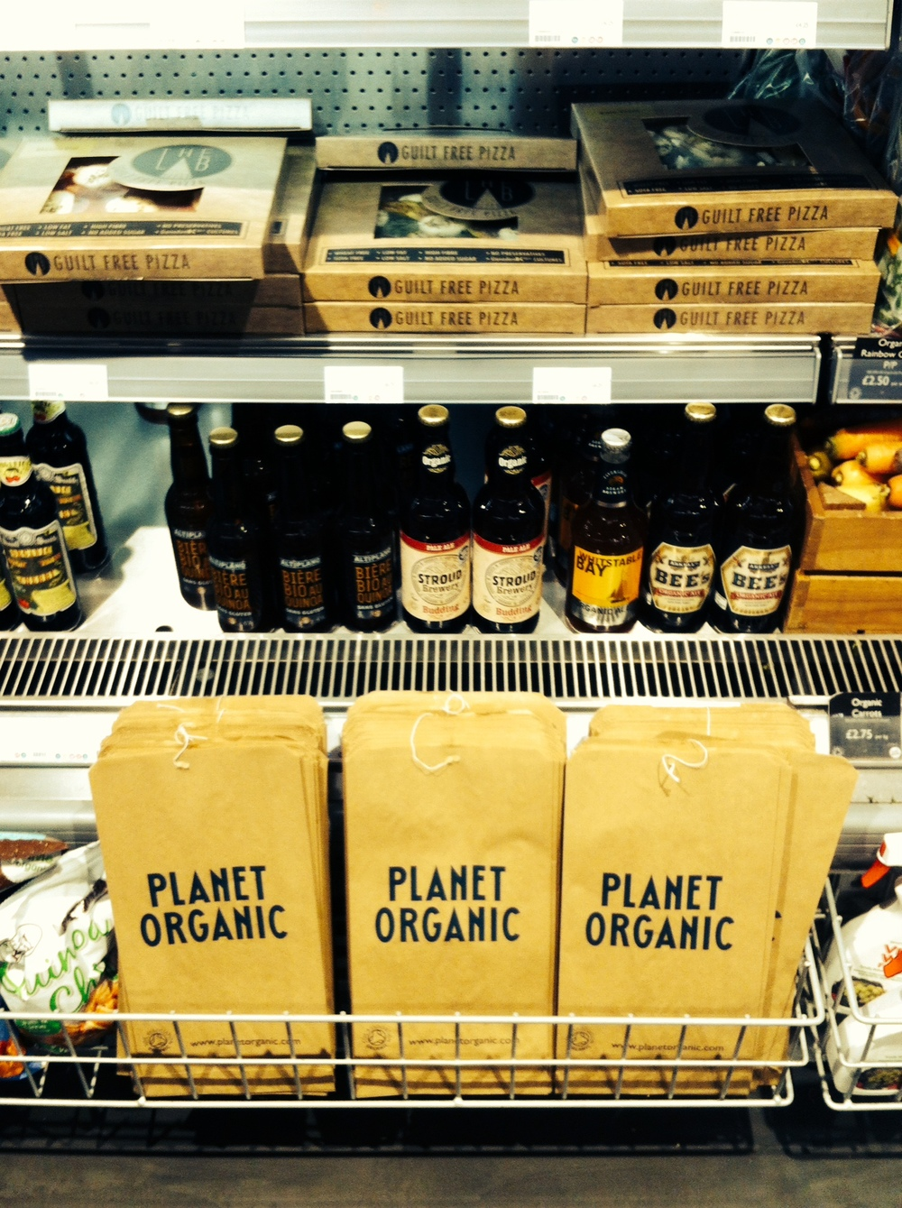 Planet Organic_내부_글루텐프리코너 및 포장.jpeg