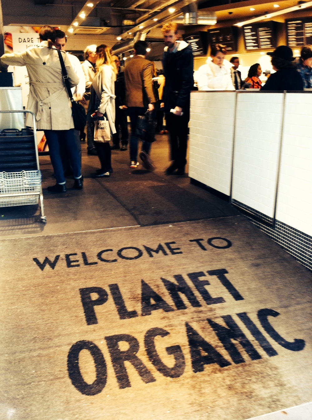 Planet Organic 입구.jpeg