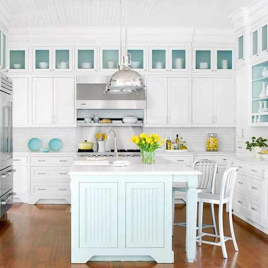 white country home kitchen