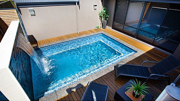 Small cascading pool