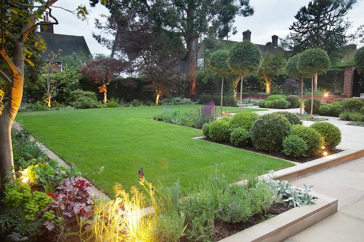 sophisticated front lawn - Gardening Design Ideas