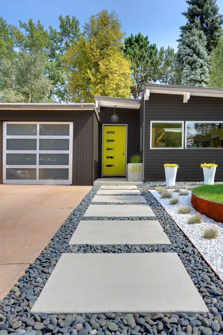 50 modern front yard designs and ideas renoguide for Front yard design plans