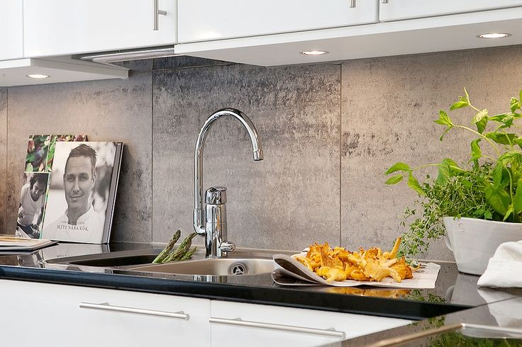 Tiled Splashback Ideas For Kitchen Part - 25: Large Stone Tiled Splashback