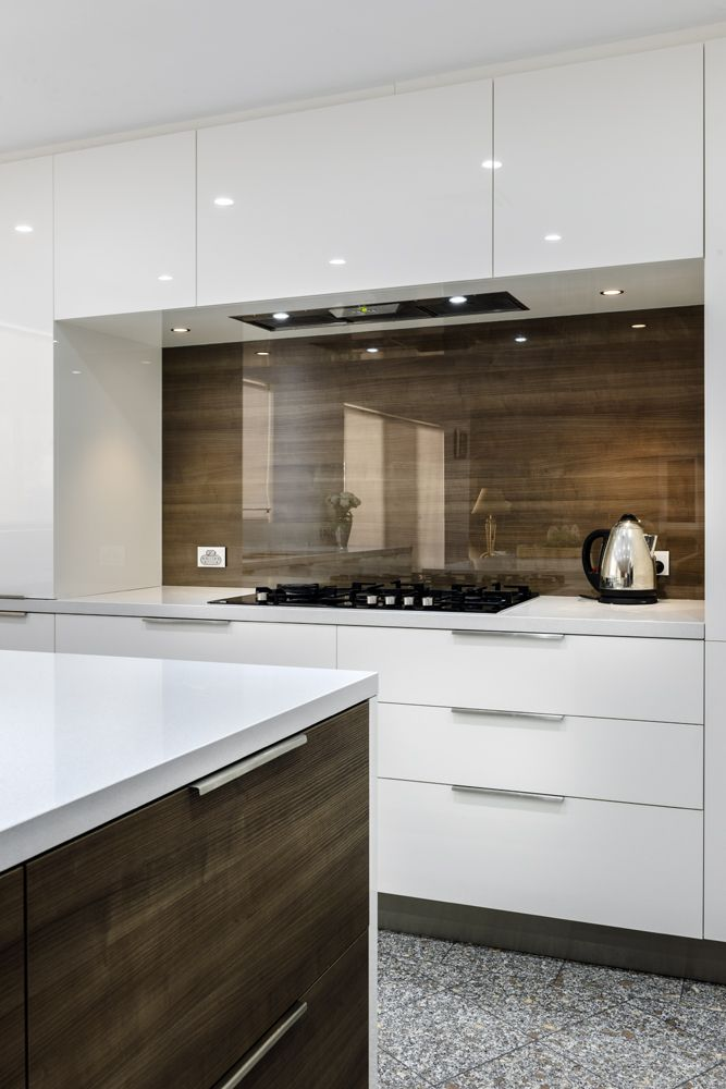 Attirant Clear Glass Over Timber Veneer Splashback