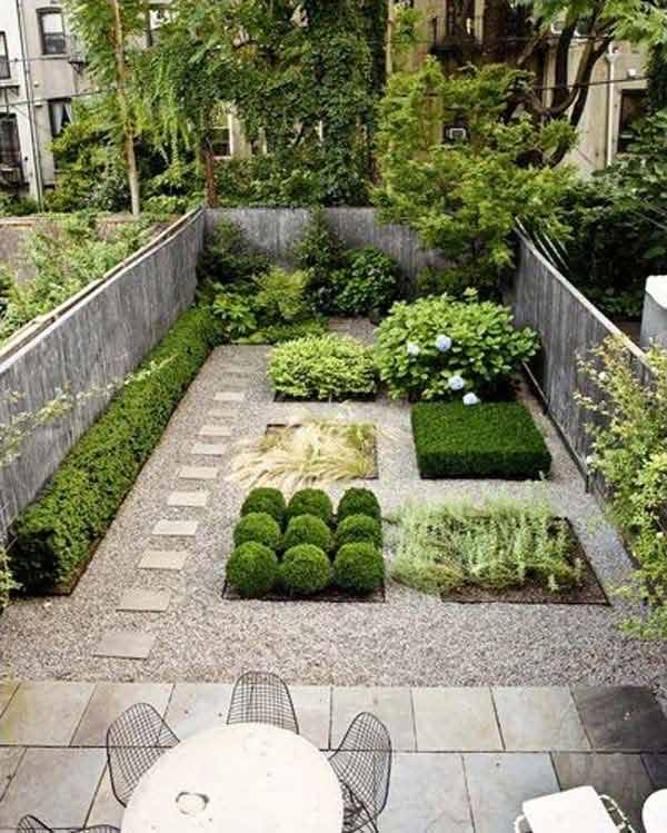 Marvelous Neat And Squared Small Backyard Garden Design
