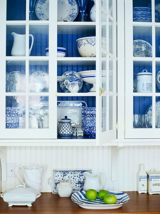 Mediterranean white and blue kitchen cabinets