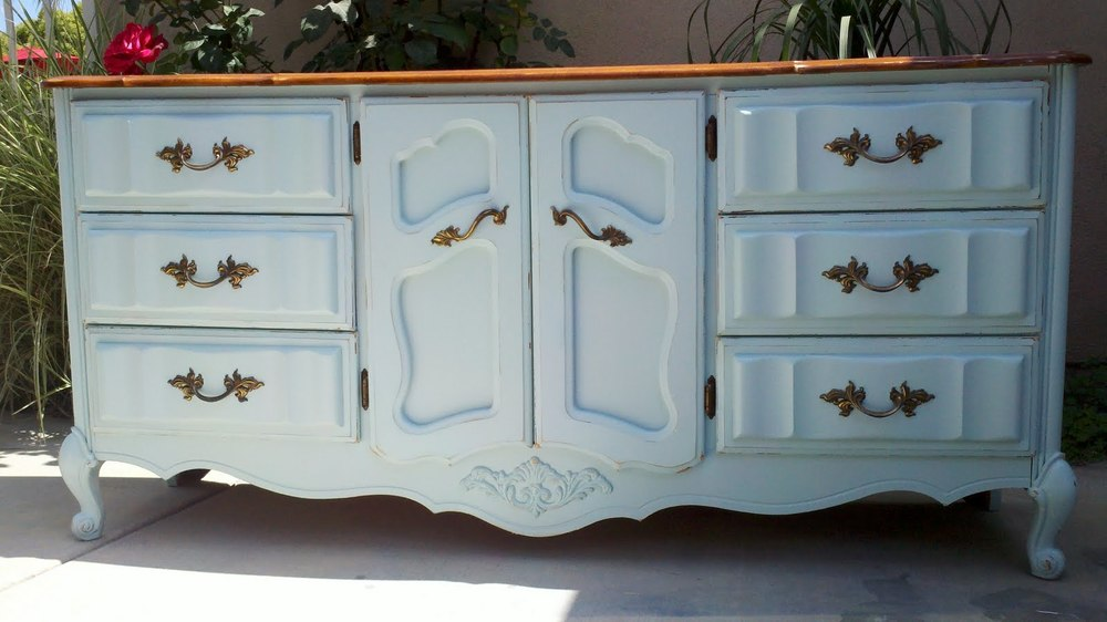 ... Furniture Shops, Vintage Stores, Or Chance Upon Collectorsu0027 Garage  Sales. Or You Can Create Your Own Shabby Chic Furniture With This Easy DIY  Project.