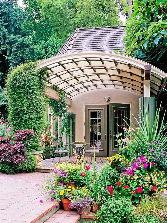 impressive curved patio pergola