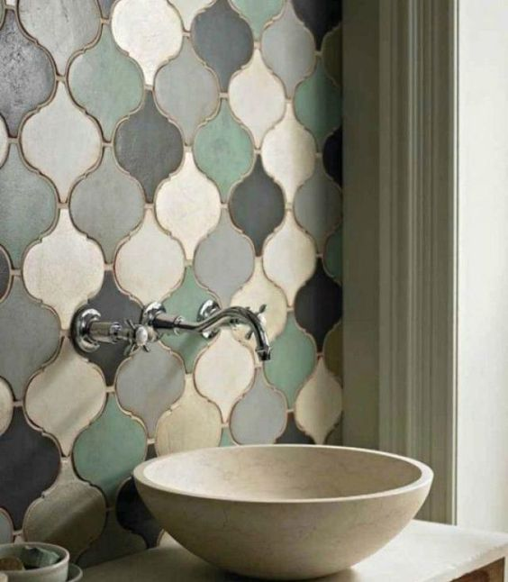 Arabesque bathroom tiles