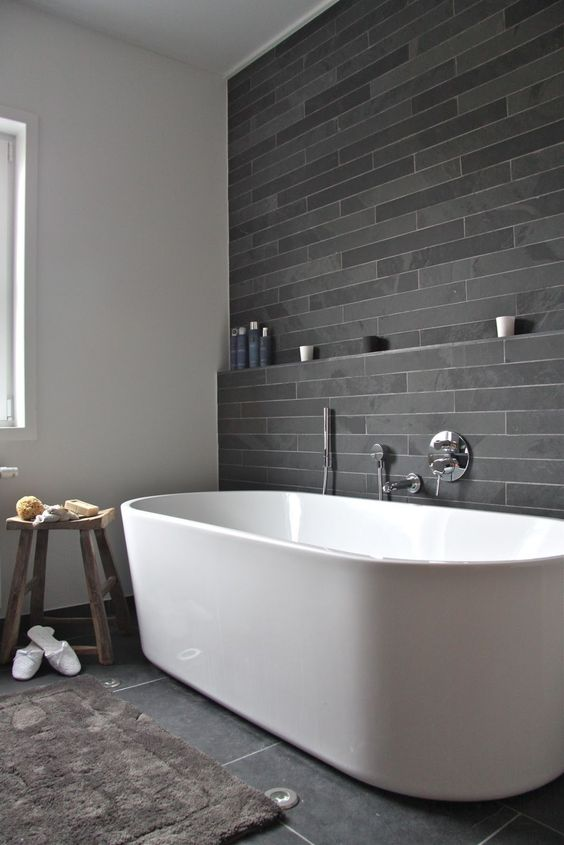 freestanding white tub