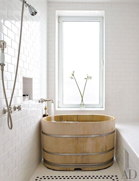 wood barrel soaking tub