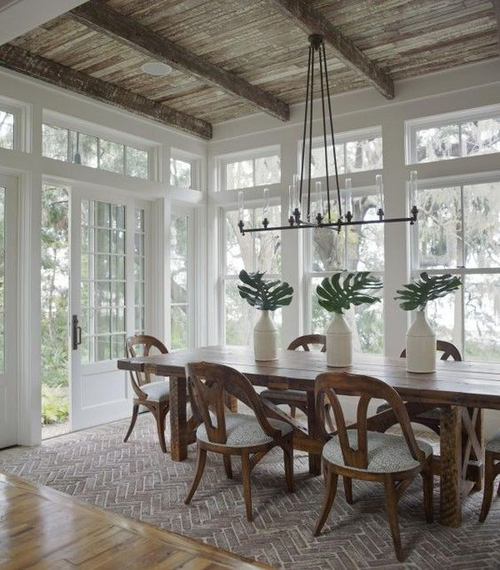 charming farmhouse dining room