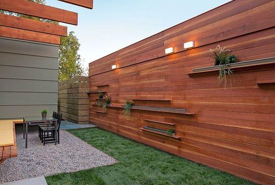 современная минималистская стена сада