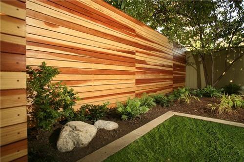 полированная деревянная стена