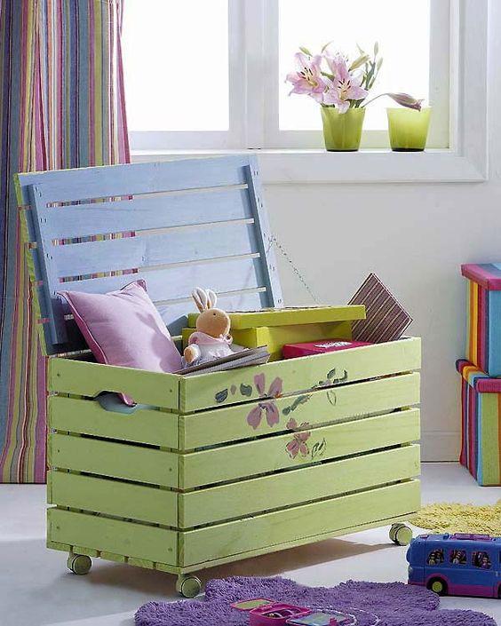 kid's toy storage chest