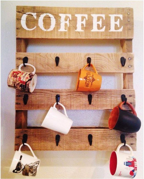 diy pallet coffee mug holder