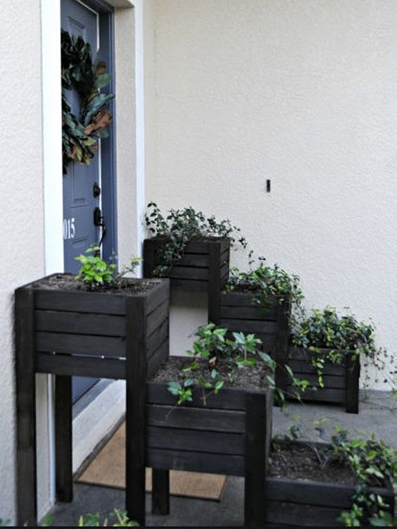 tiered pallet planters