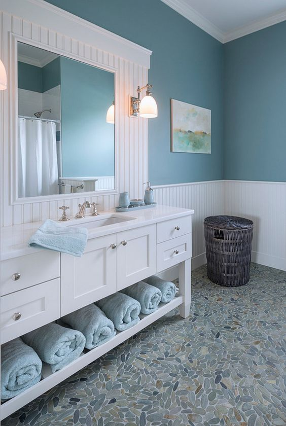 blue Hamptons style bathroom