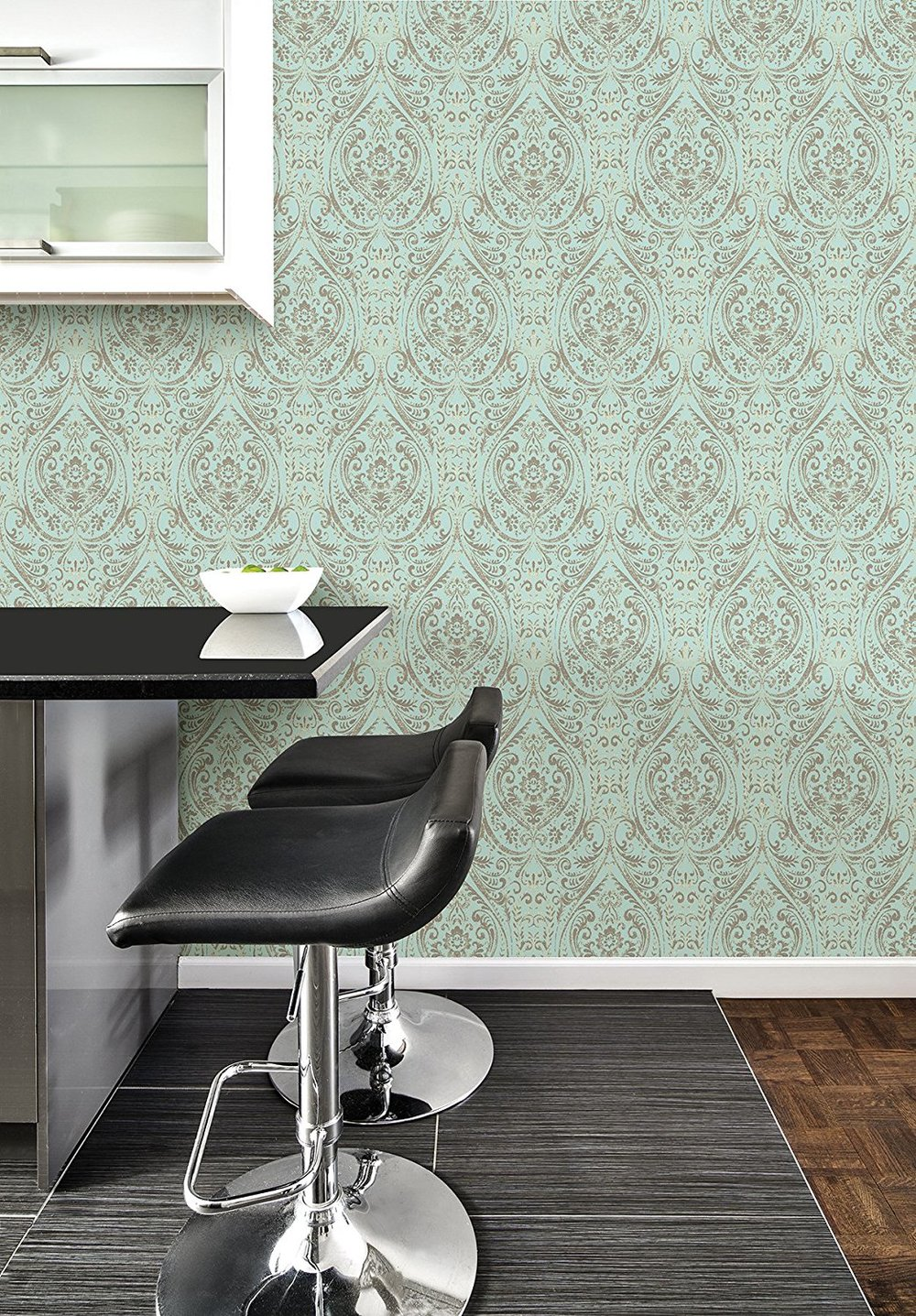 classic damask wallpaper design