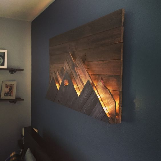 recycled pallet wall lighting