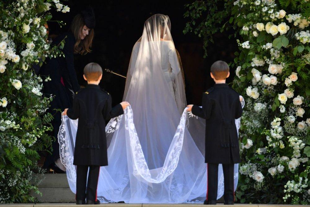 meghan-markle-royal-wedding-dress-designer-style-veil.jpg