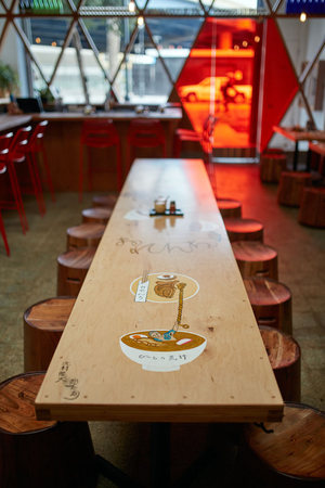Orenchi-Ramen-Bar-Craig-Steely-japan-viventium-design-zachary-kraemer-5.jpg
