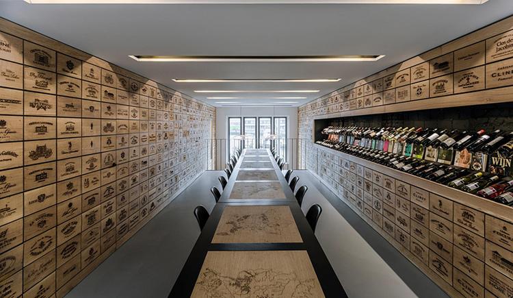 rotterdam-wine-shop-viventium-design-zachary-kraemer-6.jpg