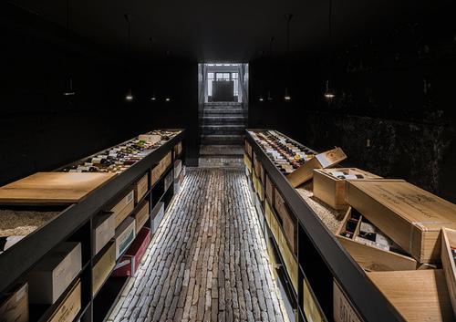 rotterdam-wine-shop-viventium-design-zachary-kraemer-9.jpg