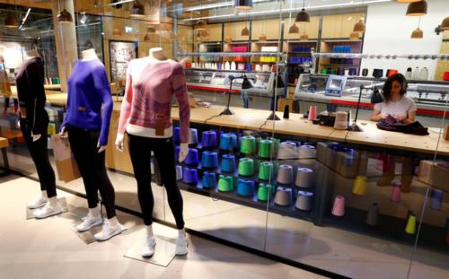 viventium-design-zac-kraemer-adidas+knitwear-retail-design-15.png