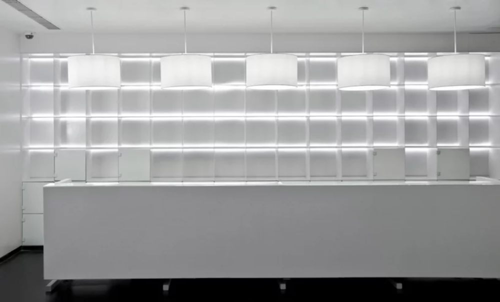 viventium-design-zac-kraemer-b&w-retail-design-4.png