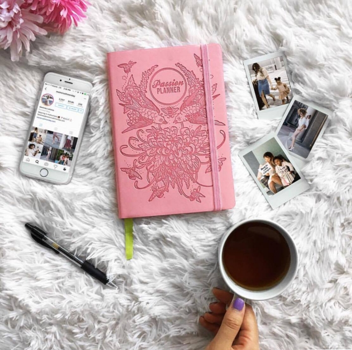 Three Ways to Stay Focused by lifestyle blogger Destiney from MomCrushMonday
